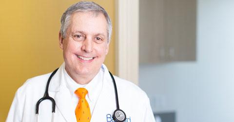 El doctor prescribe plantas para la salud y la pérdida de peso
