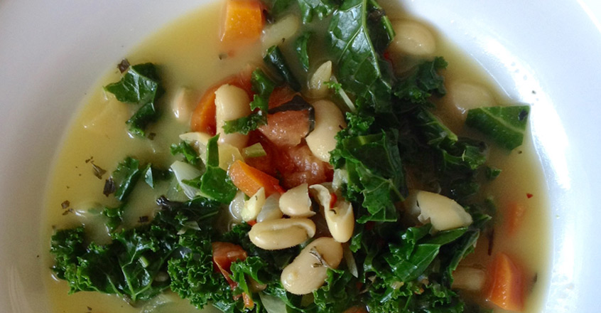 Cavolo Nero: sopa de kale y frijoles blancos