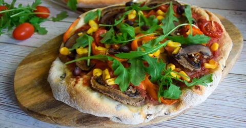 Masa para pizza de trigo integral y frijoles negros