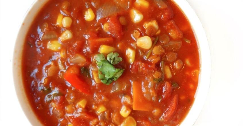 Chili de lentejas a base de plantas de una olla