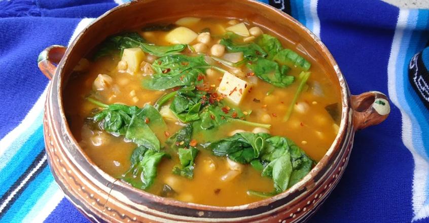 sopa-de-sopa-de-garbanzos-y-espinacas