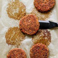 Hamburguesas de quinoa a la jardinera